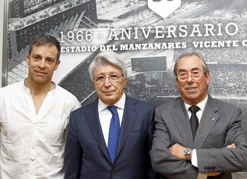 Enrique Cerezo, Roberto Solozábal y Adelardo Rodríguez en el cóctel de Veteranos
