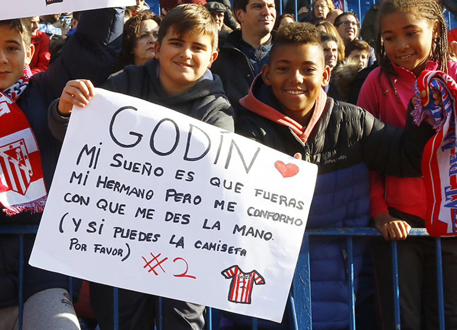 Entrenamiento puertas abiertas Calderón 4 enero 2017. Afición