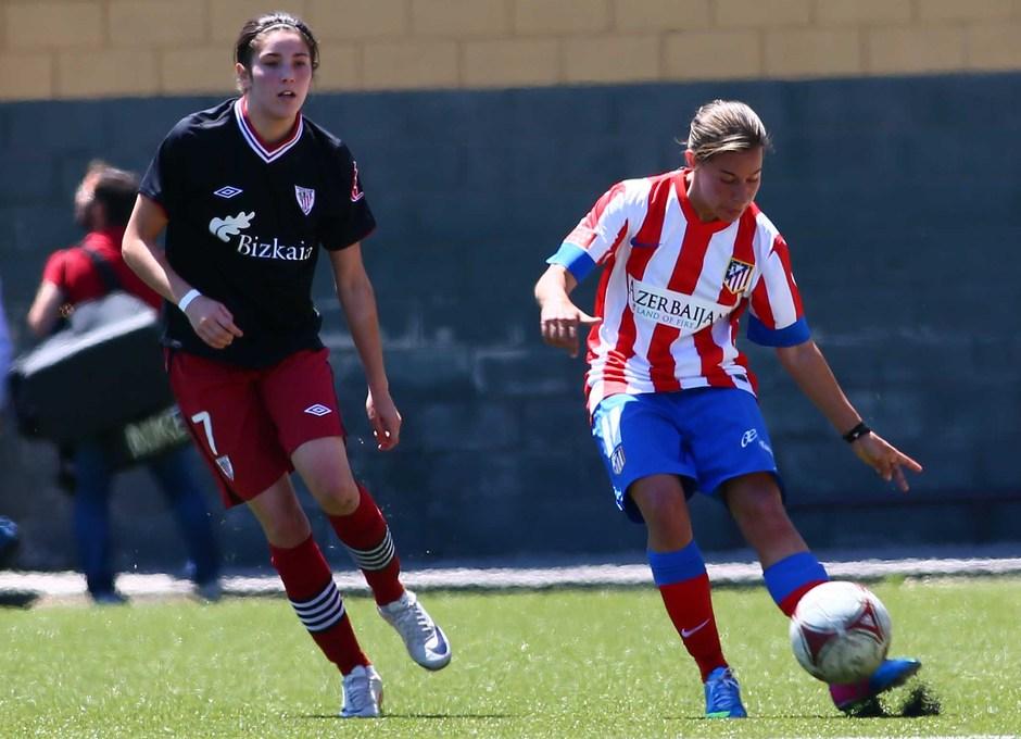 Temporada 2012-2013. Pisco saca un balón de la línea defensiva