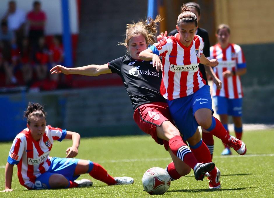 Temporada 2012-2013. Nagore sufre una dura entrada por parte de Irene