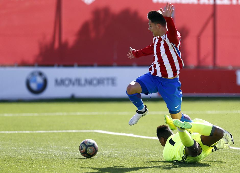 Temporada 2016-2017. Partido entre el Atlético de Madrid Juvenil División de Honor contra el Real Madrid. 04_03_2017. Gol de Giovanni.
