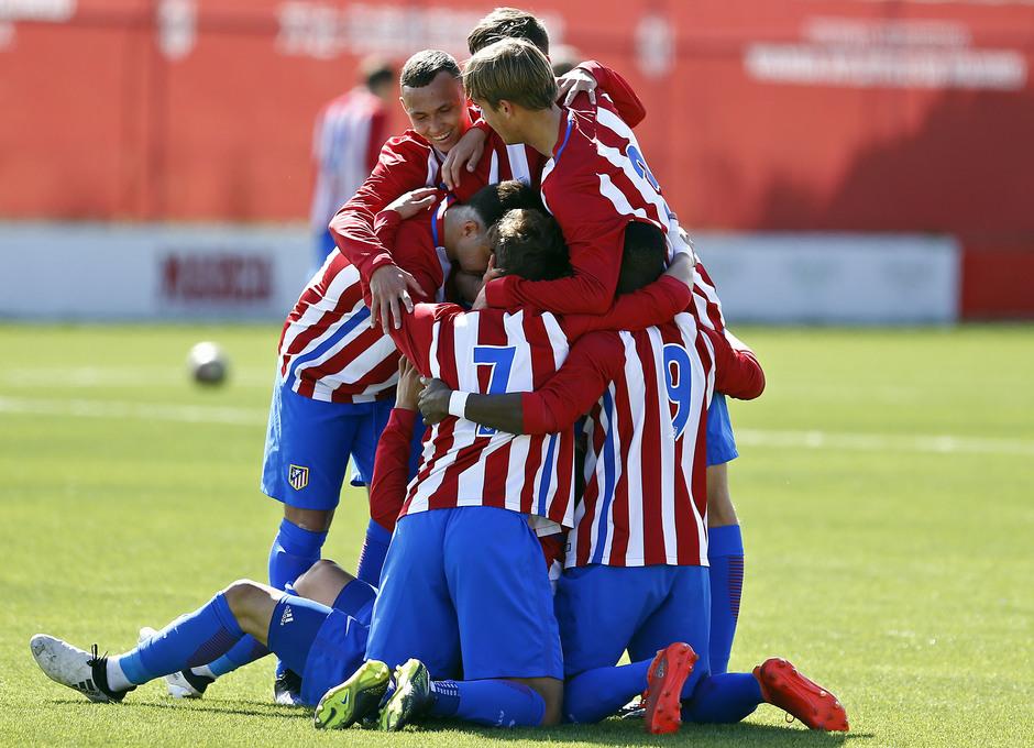 Temporada 2016-2017. Partido entre el Atlético de Madrid Juvenil División de Honor contra el Real Madrid. 04_03_2017. Celebración.