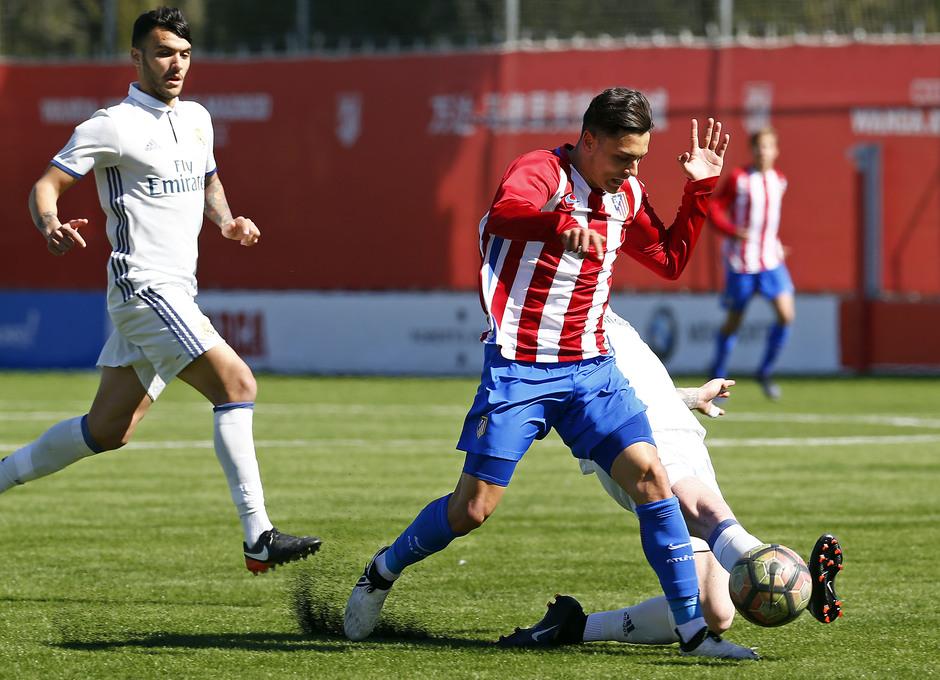 Temporada 2016-2017. Partido entre el Atlético de Madrid Juvenil División de Honor contra el Real Madrid. 04_03_2017. Giovanni.