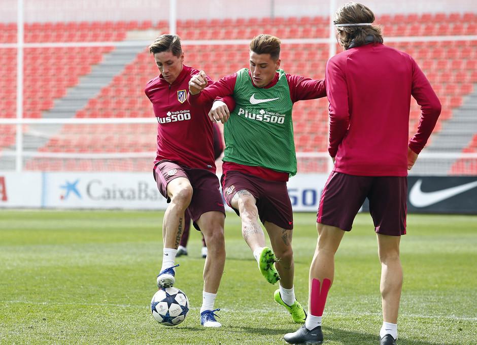 Temporada 2016-2017. Entrenamiento de la primera plantilla. 13_03_2017. Torres y Giménez.
