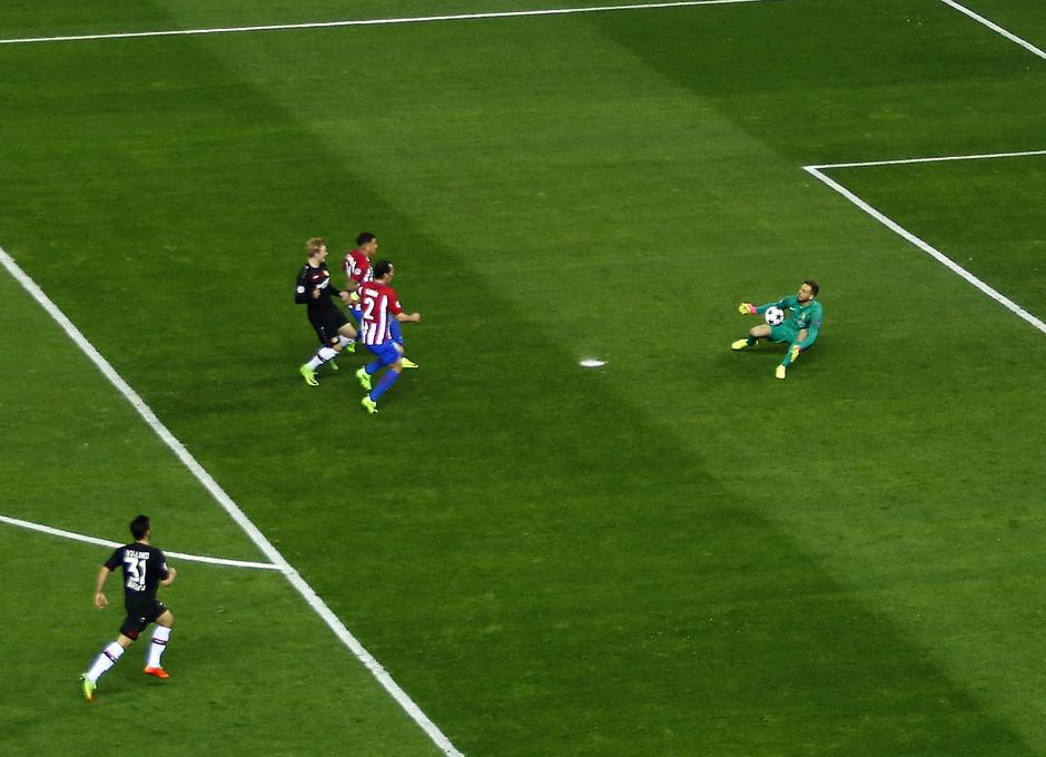 Temp. 16/17 | Atlético de Madrid - Bayer Leverkusen | Oblak Parada 1