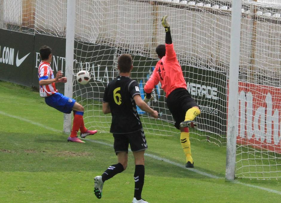 Ivi marcó así el primer gol en el partido del ATM Juvenil DH frente a Las Palmas en Copa
