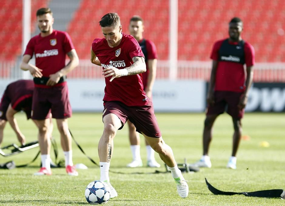 Temporada 2016-2017. Entrenamiento de la primera plantilla en la Ciudad deportiva Wanda Atlético de Madrid. 08_05_2017. Torres.