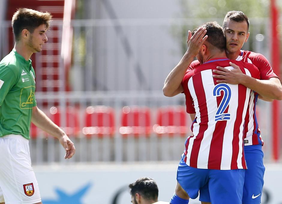 Temporada 2016-2017. Partido entre el Atlético de Madrid B contra el Alcobendas Levitt. 14-05-2017. Celebración primer gol de Perales.