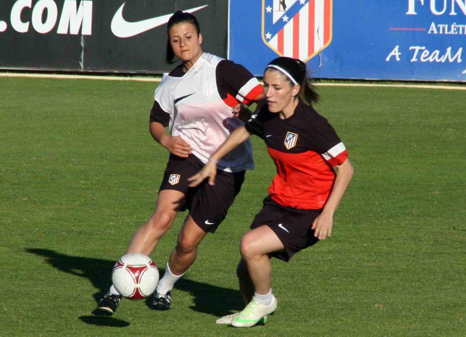 Temporada 2012-2013. Blanca y Carlota durante el entrenamiento