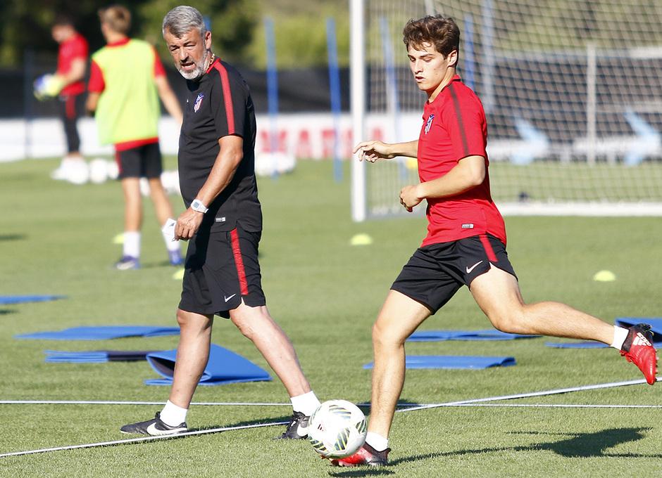 Temp. 17-18 | Primer entrenamiento de la temporada del Atlético de Madrid B | Solano