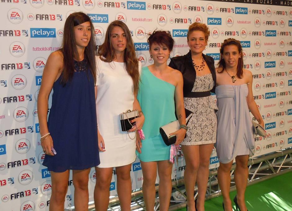 Lola Gallardo, Nagore Calderón, Amanda Sampedro, Leticia Méndez y Ana Troyano recibieron sus premios Fútbol Draft13