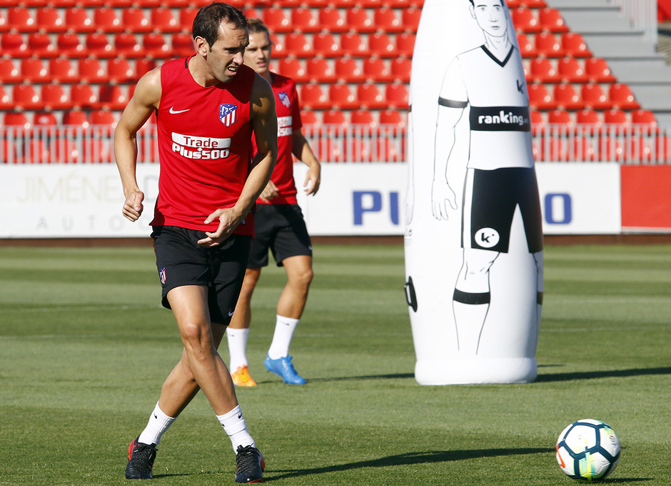 Temporada 2017-18. Entrenamiento 03/08/2017 | Godín