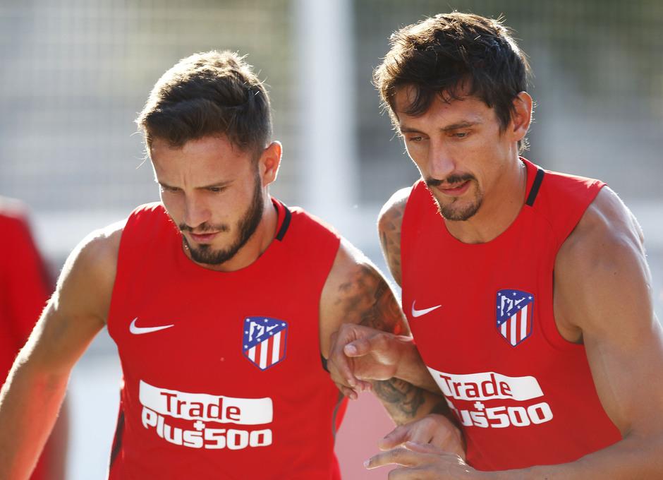 Temporada 17/18 | Entrenamiento en la Ciudad Deportiva Wanda. 05_08_2017. Saúl y Savic.