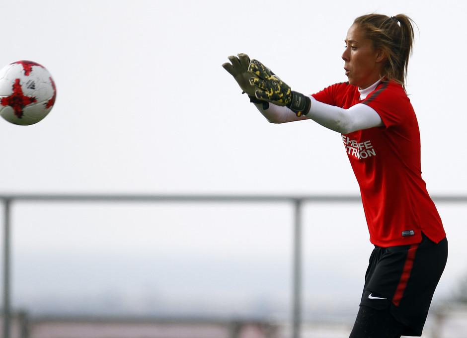 Temporada 16/17. Entrenamiento del Atlético de Madrid Femenino en LASR. Lola Gallardo