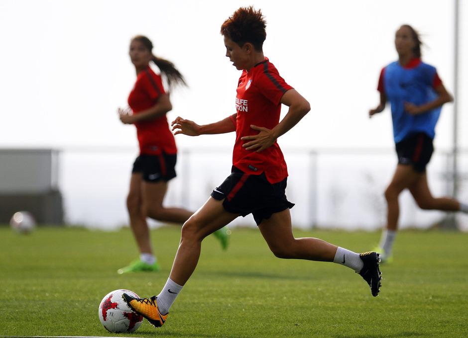 Temporada 16/17. Entrenamiento del Atlético de Madrid Femenino en LASR. Amanda Sampedro.