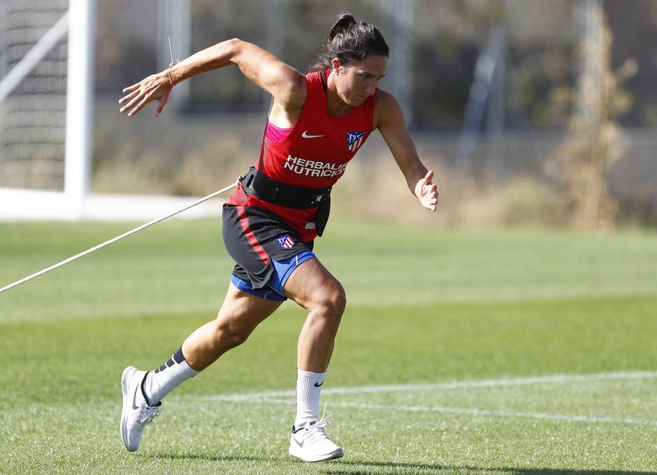 Temporada 16/17. Entrenamiento del Atlético de Madrid Femenino en LASR. Meseguer