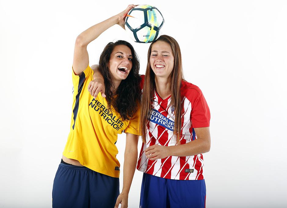 Temp. 17-18 | Sesión de fotos Atlético de Madrid Femenino. Viola y Kaci