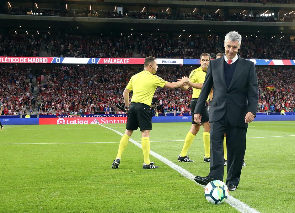 Temp. 17-18 | Atlético de Madrid-Málaga | Saque de honor Gárate