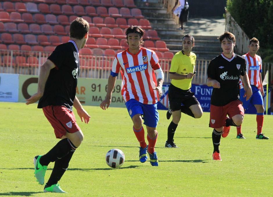 Borja Martínez, jugador del Atlético de Madrid Juvenil DH, en un momento del partido ante el Athletic