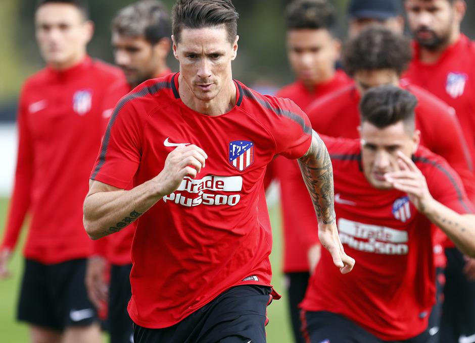 Temporada 17/18. Entrenamiento en la ciudad deportiva Wanda Atlético de Madrid 01_10_2017. Fernando Torres.