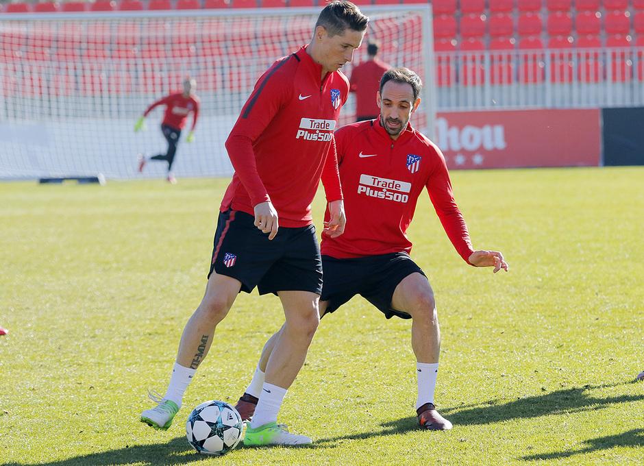 Temporada 17/18   20/11/2017   Entrenamiento primer equipo   Torres