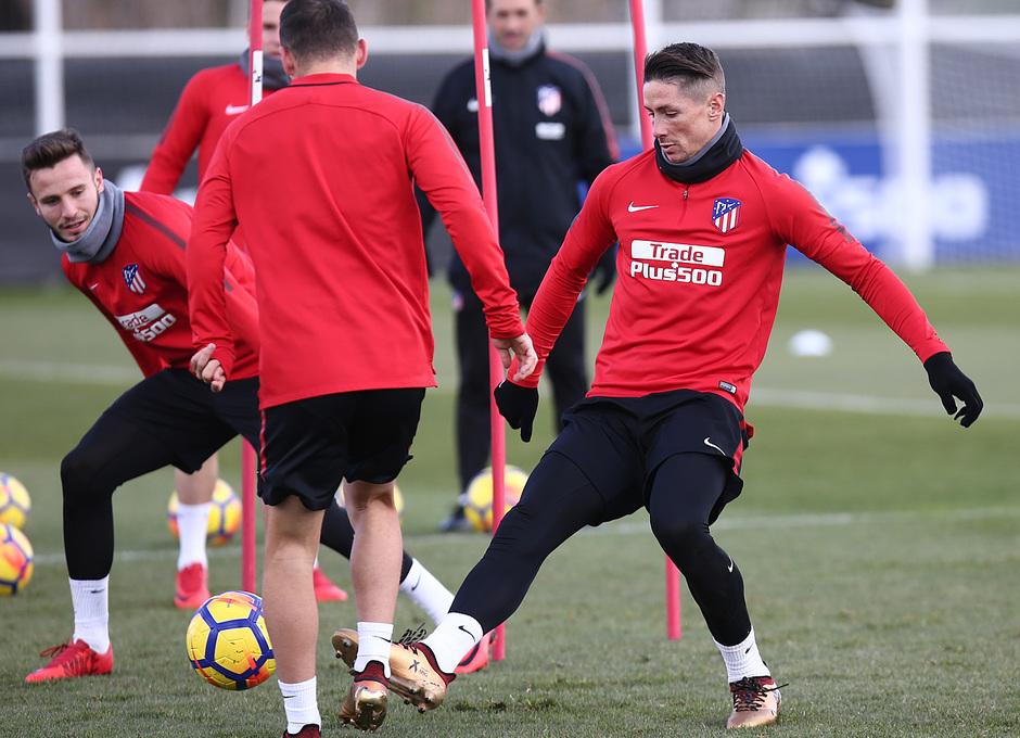 Temporada 17/18 | 01/12/2017 | Entrenamiento primer equipo | Torres