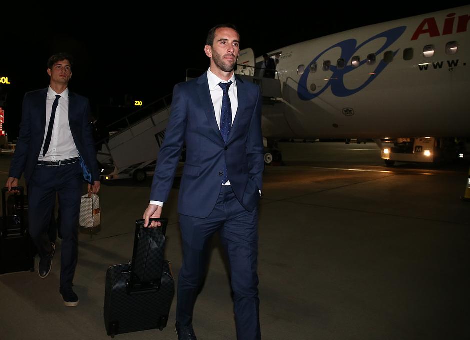 Temporada 17/18. Llegada del equipo a Londres para el Chelsea-Atlético. Godín
