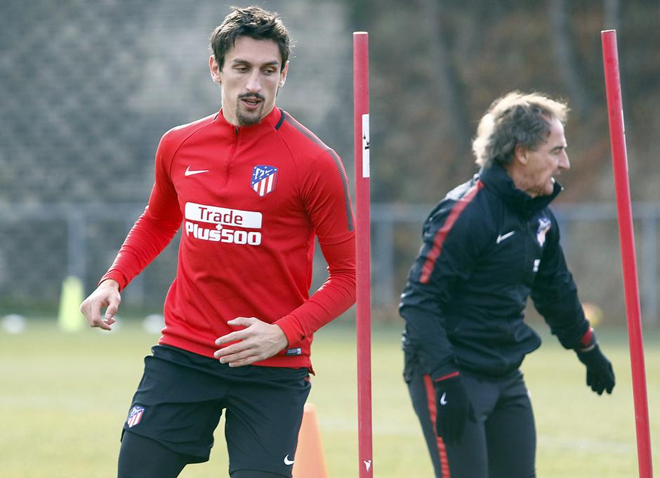 Temporada 17/18. Entrenamiento en la ciudad deportiva Wanda Atlético de Madrid 07_12_2017 Savic