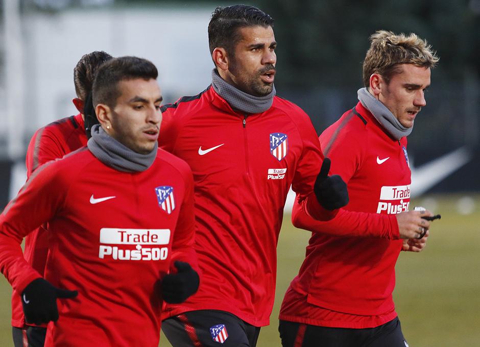 Temporada 17/18 | 28/12/2017 | Entrenamiento del primer equipo | Costa y Griezmann