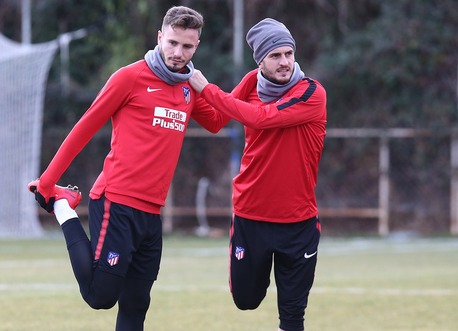 temporada 17/18. Entrenamiento en la ciudad deportiva Wanda. Koke y Saúl durante el entrenamiento.
