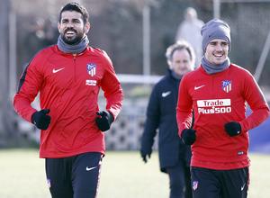Temporada 17/18 | 26/01/2018 | Entrenamiento del primer equipo | Costa y Griezmann