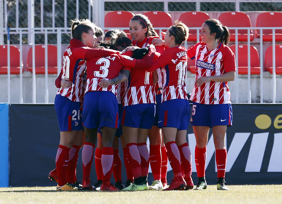 Temporada 17-18. Partido Atlético de Madrid femenino- Santa Teresa. Celebración esther