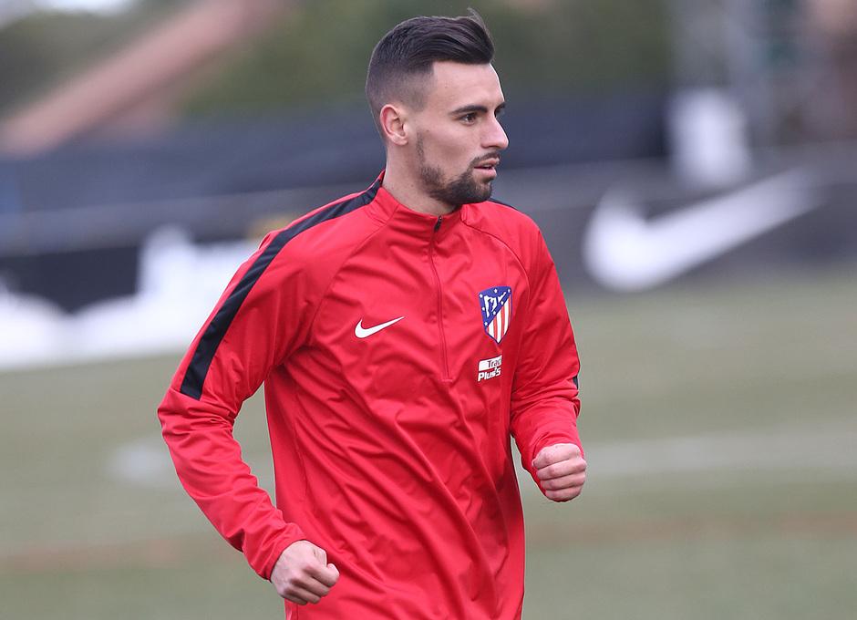 temporada 17/18. Entrenamiento en la ciudad deportiva Wanda. Rafa Muñoz durante el entrenamiento.