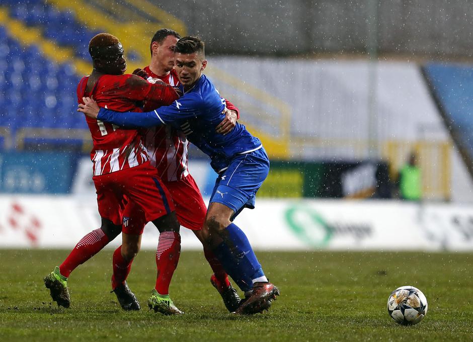 Temp. 17-18 | Youth League | FK Željezničar - Juvenil A | Salomón Obama