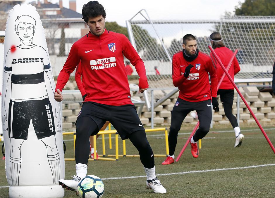 Temporada 17/18 | 09/02/2018 | Entrenamiento en la Ciudad Deportiva Wanda | Olabe