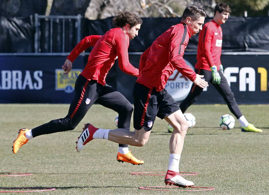 Entrenamiento | 24-02-18 | Torres y Vrsaljko