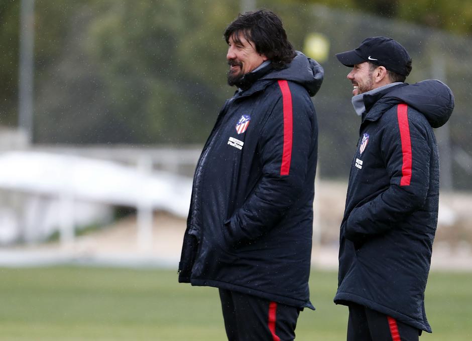 Temporada 17-18. Entrenamiento en la ciudad deportiva. 06_03_2018. Simeone y Germán Burgos.