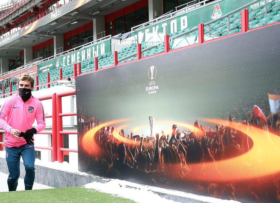 Temp. 17-18 | Entrenamiento en Rusia previo al Lokomotiv-Atleti | Griezmann