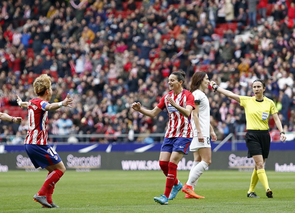 Temporada 17/18 | Estreno del femenino en el Wanda Metropolitano | 17/03/2018 | Atleti - Madrid CFF | Gol de Aurelie Kaci y celebración con Amanda Sampedro