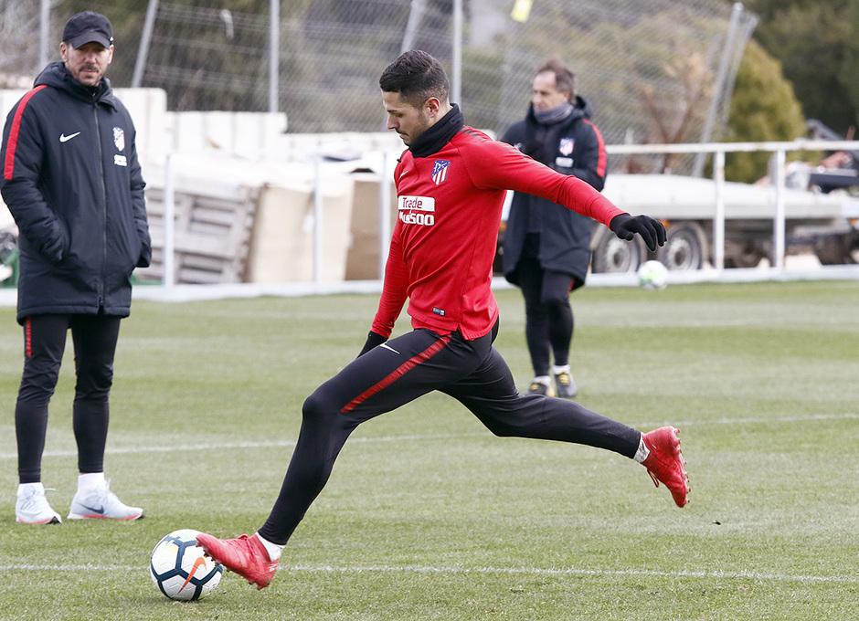 Temporada 17/18 | Entrenamiento en la Ciudad Deportiva Wanda | 20/03/2018 | Vitolo