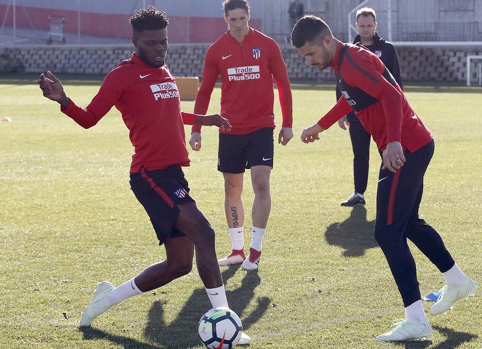 Temp. 17-18 | Entrenamiento primer equipo | 27-03-18 | Thomas y Vitolo