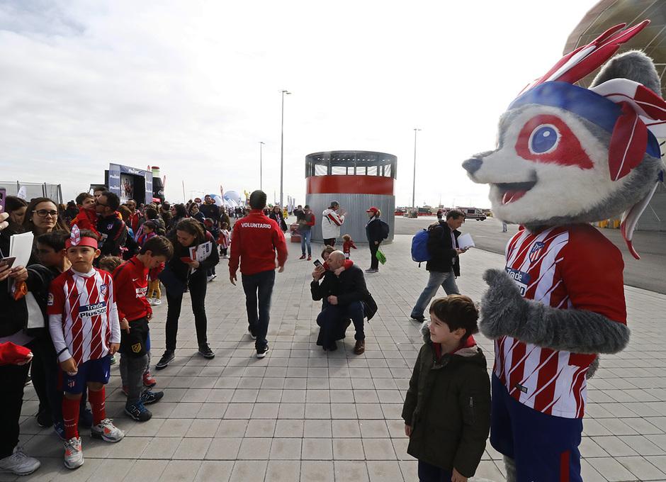 Temp. 17-18 | Atlético de Madrid - Levante | Día del Niño | Indi