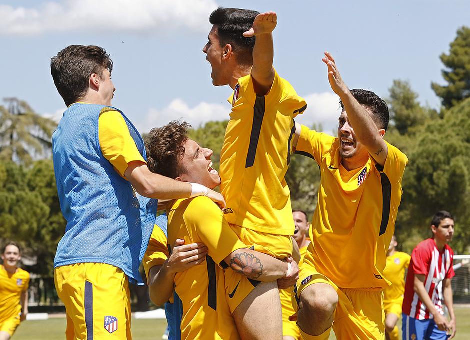 Celebración del segundo gol en la final de la Copa de Campeones ante el Sporting