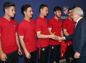 Temp. 17-18 | Juvenil A en el Wanda Metropolitano con la Copa de Campeones | Enrique Cerezo y Mikel Carro