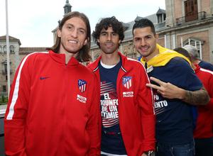 Temp 17/18 | Atlético de Madrid y Atlético de Madrid Femenino | 18-05-18 | Filipe Luis, Tiago y Vitolo