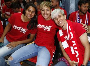 Temp 17/18 | Atlético de Madrid y Atlético de Madrid Femenino | 18-05-18 | Neptuno | Kenti Robles, Marta Corredera y Sonia Bermúdez