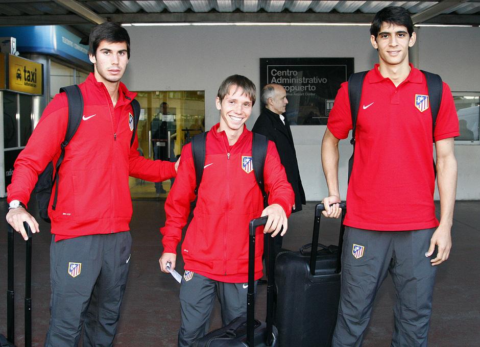 Temporada 12/13. Gira sudamericana. Llegada a Buenos Aires. Bono Villa y Nacho posando a la llegada