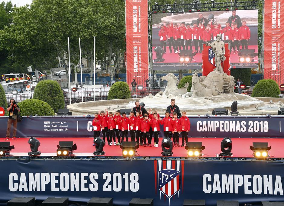 Temp 17/18 | Atlético de Madrid y Atlético de Madrid Femenino | 18-05-18 | Academia | Prebenjamín A