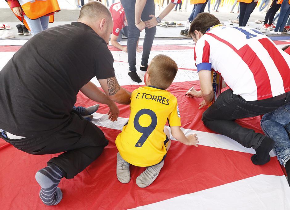 Fan zone Torres firmas