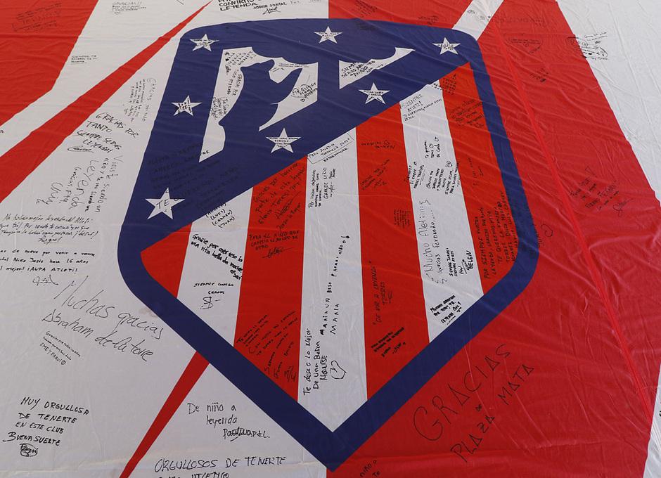 Fan zone Torres firmas 3